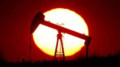 Oil prices drop, U.S. falls for third day as Cushing stocks rise