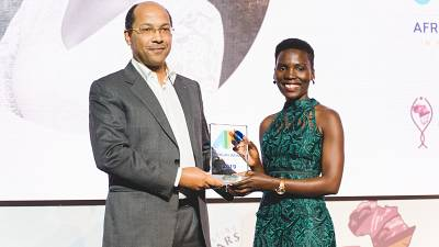 La journaliste ougandaise Nila Yasmin, désignée la Journaliste Africaine 2019, reçoit le Prix APO Group