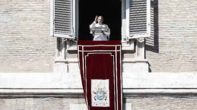 Papa, troppi messaggi negativi su morte