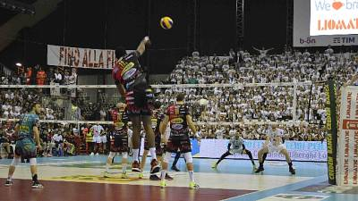 Volley: Modena-Perugia finale Supercoppa