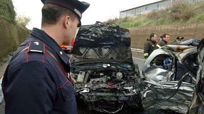 Scontro fra 3 auto, grave bimbo a Milano