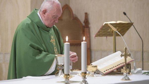 Papa: più martiri oggi che primi secoli
