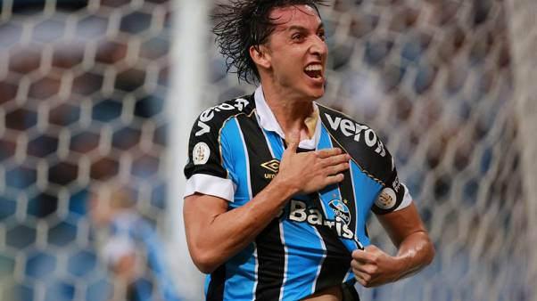 Gremio easily overcome city rivals Internacional 2-0