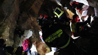 5 speleologi salvati da grotta allagata