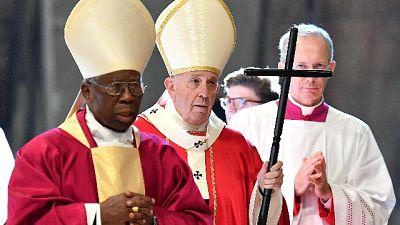 Papa: Chiesa non è multinazionale né Ong