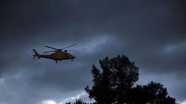 Vento ferma soccorso elicotteri dirupo