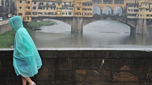 Maltempo: sottopassi allagati a Firenze