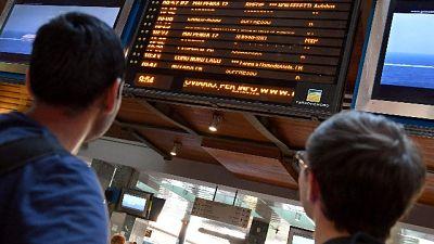 Fulmine su treno, ritardi Milano-Bologna