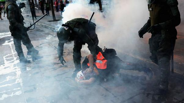 Chile prosecutor seeks to investigate claims of police torture of protesters