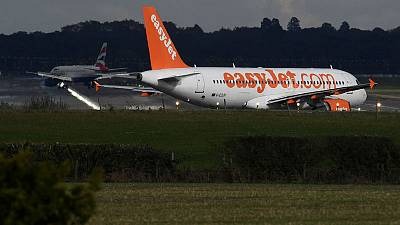 EasyJet buys Thomas Cook airport slots at Gatwick and Bristol for £36 million