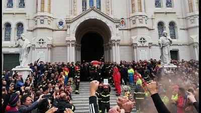 Reggio C.,Applausi funerali Nino Candido