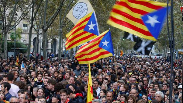 'Freedom for political prisoners,' Catalan separatists chant on election eve