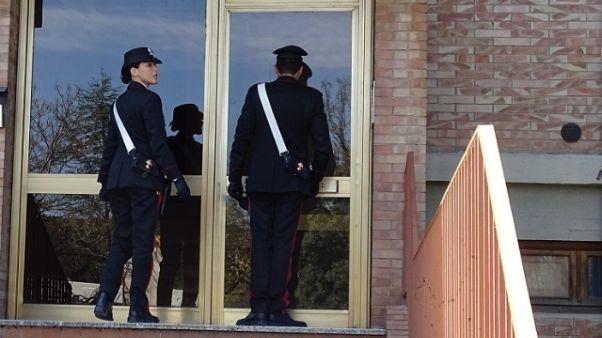 Viola divieto avvicinarsi ex, arrestato