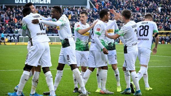 Bundesliga, Gladbach corre, 3-1 a Brema