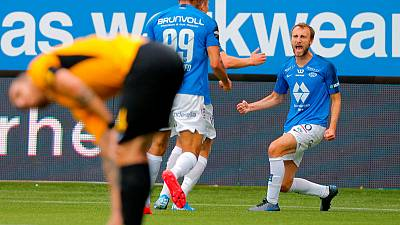 Eikrem steers dominant Molde to Norwegian league title