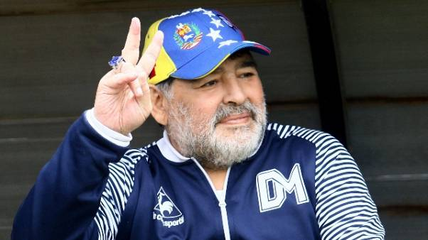 Vince il Gimnasia e Maradona balla