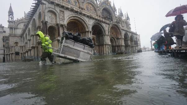A San Marco 70 cm d'acqua nel nartece