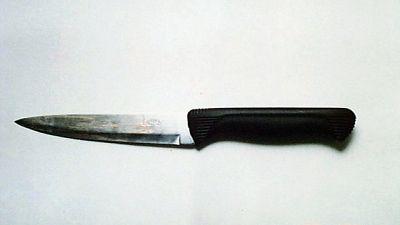 Si ferisce con coltello in stazione