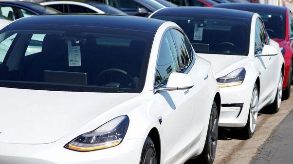 Tesla sedans regain recommended status in Consumer Reports survey