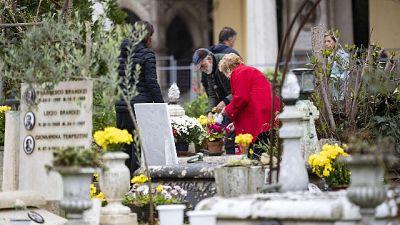 Maltempo: chiuso il cimitero del Verano