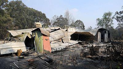 Bushfires conditions worsen in east and west Australia
