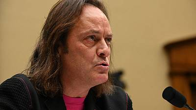 T-Mobile Chief Executive Legere to step down next year
