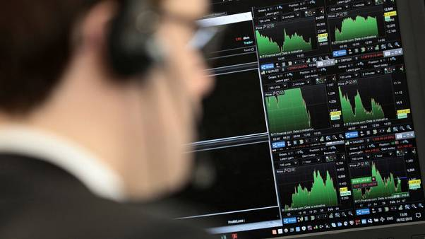 FTSE falls as trade view deteriorates; Royal Mail sinks