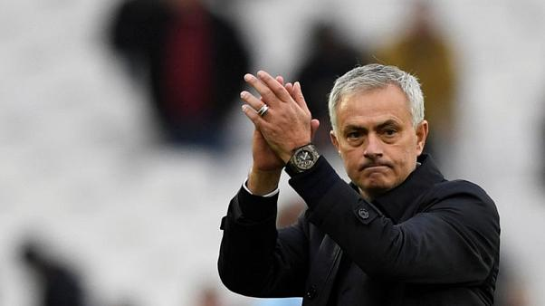 Mourinho makes winning start with Spurs, VAR helps Liverpool