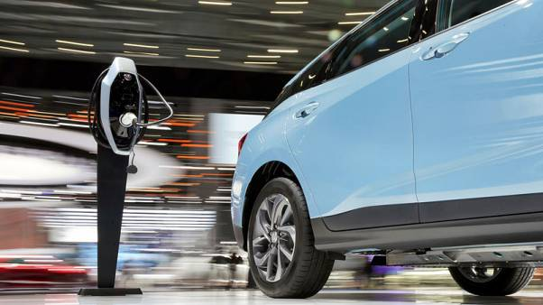 China's electric vehicle market to see sales rebound next year, execs say