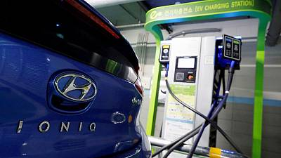 Feuding Korean firms risk disrupting electric car battery supplies