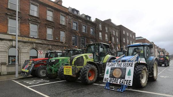 Farmers bring central Dublin to a halt with tractor protest