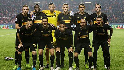 Inter see off Slavia to keep last-16 hopes alive