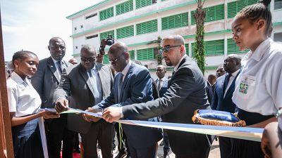 La Fondation BGFIBank offre un nouveau Centre de documentation et d'information (CDI) aux élèves du Lycée National Léon MBA à Libreville