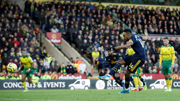 Aubameyang's double earns Arsenal draw at Norwich
