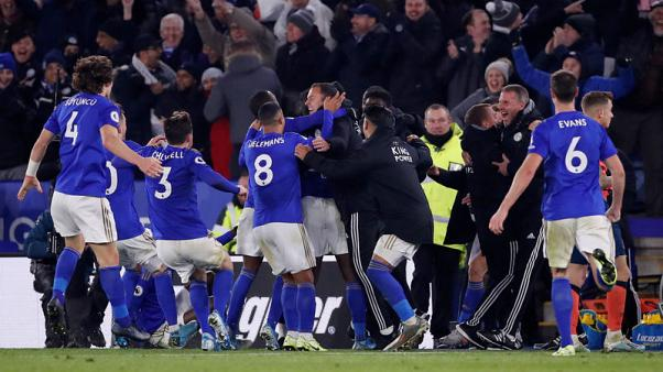 Iheanacho's last-gasp strike gives Leicester win over Everton