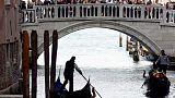 Venetians shun referendum on split from mainland sister city