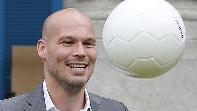 Soccer-Ljungberg planning Wenger chat as he seeks Arsenal revival