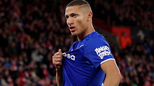 Richarlison extends Everton deal to 2024