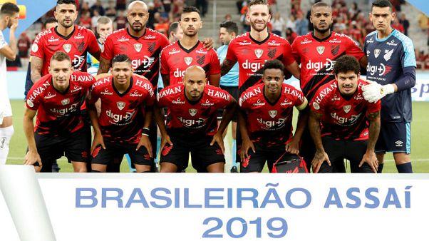 Athletico beat Santos to edge closer to Libertadores spot