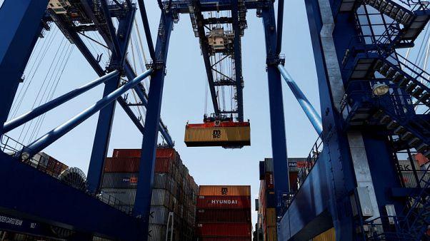 Modest U.S. growth outlook static despite hopes for trade reprieve - Reuters poll