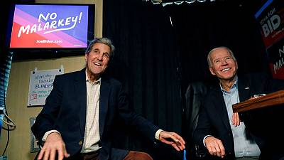 Kerry joins Biden in Iowa, making a foreign policy pitch