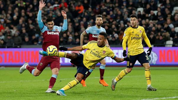 Arsenal fight back for win at West Ham to end winless run
