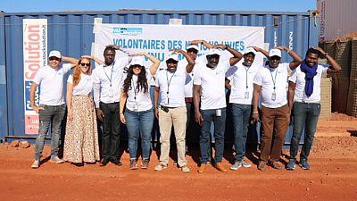 Les Volontaires des Nations Unies redonnent le sourire aux enfants malades de Mopti