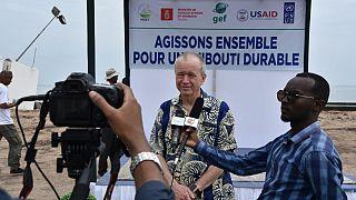 L'ambassadeur André discute de l'aide aux victimes des inondations