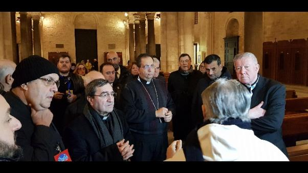 Cei a Bari: vescovi passeggiano in città
