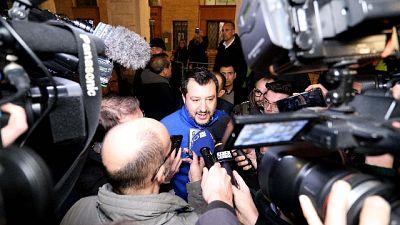 Salvini, Conte prepari scatoloni