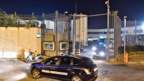 Sequestrato cellulare a detenuto a Vibo