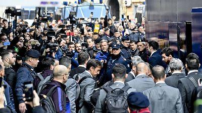 Champions: il Barcellona a Napoli, cori per Messi e Maradona