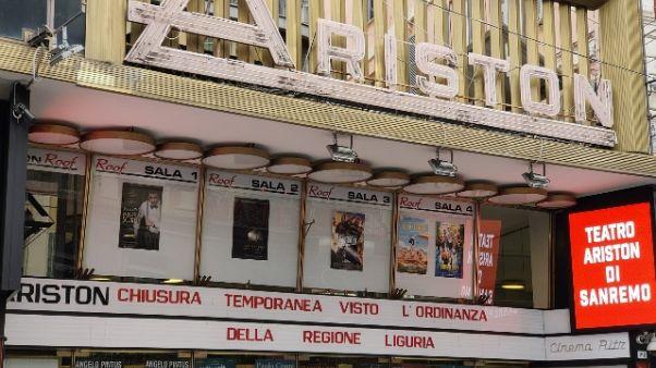 Liguria chiude l'Acquario e l'Ariston