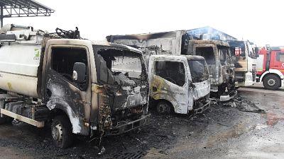 Incendio mezzi raccolta rifiuti, arresti